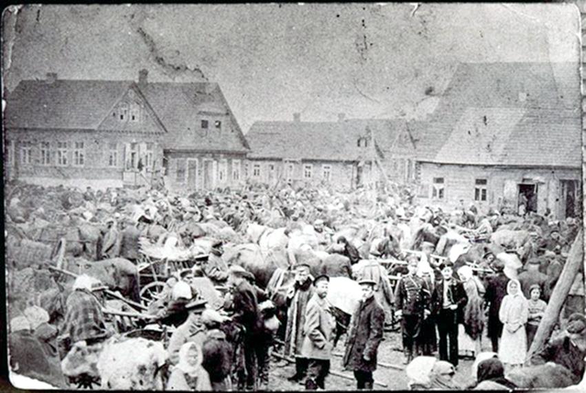 Eišiškių turgaus vaizdas prieš I - ą Pasaulinį karą. 1914m.