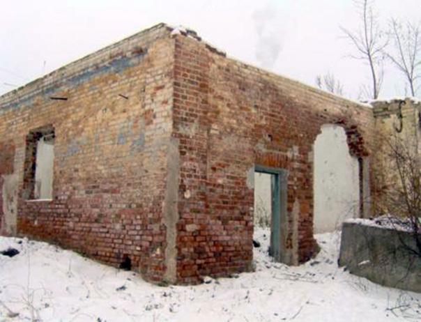 Viešosios žydų pirties griuvėsiai dab. Kauno gatvėje